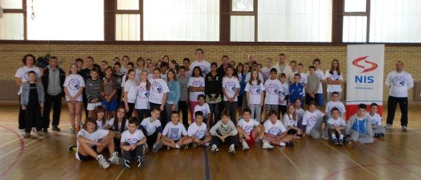 Učesnici završnog susreta NIS školskog turnira