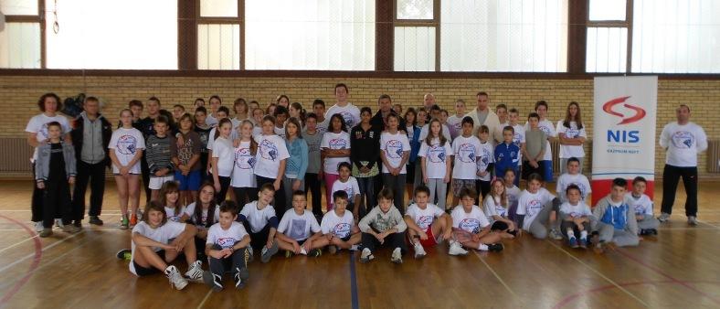Učesnici finalnog susreta NIS školskog turnira
