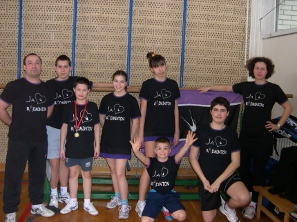 Igrači BK Pančevo na Svetosavskom turniru sa trenerima